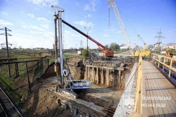 Основну частину Гаївського мосту вже майже відремонтували