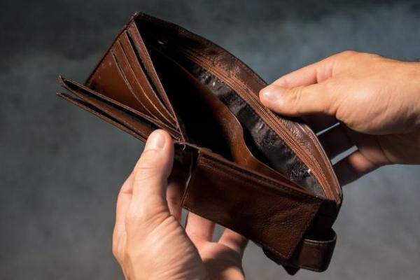 Підвищення мінімальної зарплати в Україні: чому це не вигідно
