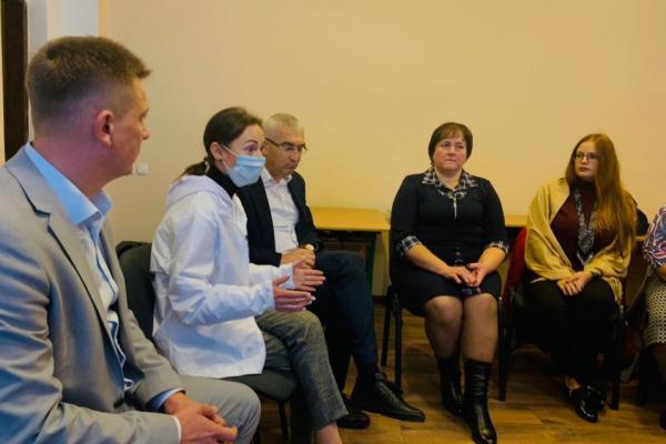 «Дистанційне навчання – це шлях у прірву»: на Тернопільщині обговорили проблеми дистанційного навчання